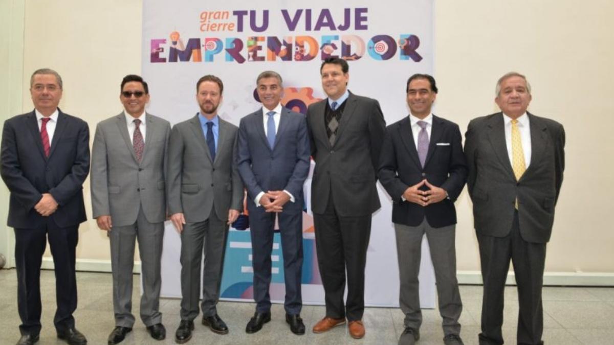 Tony Gali apoyando en evento de emprendedores