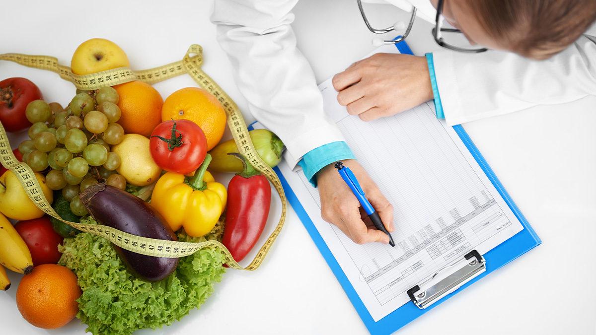 ¿Cómo elegir al mejor nutriólogo? Quiero perder esos kilos de más