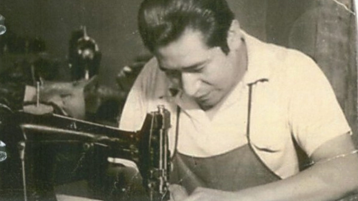Don Cleto Reyes working