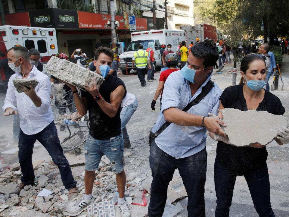 voluntarios en el sismo de méxico